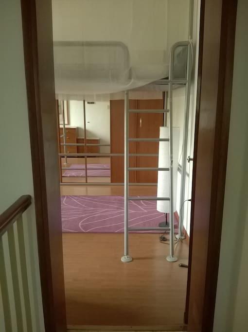 l'entrata della camera