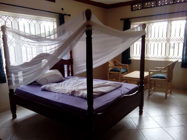 Beutiful big non sc bedroom in a peaceful setting - Καμπάλα - Σπίτι