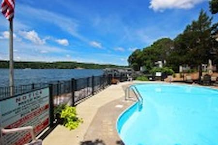 Pool, Boat dock, Lake View & more! - Lake Ozark