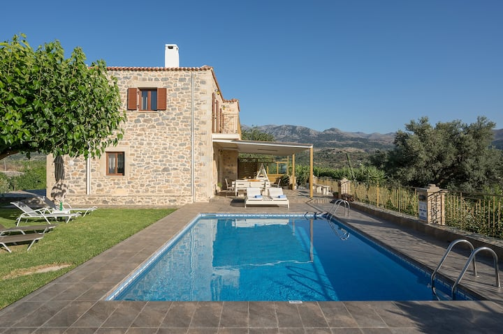 Gianna Villa with private pool