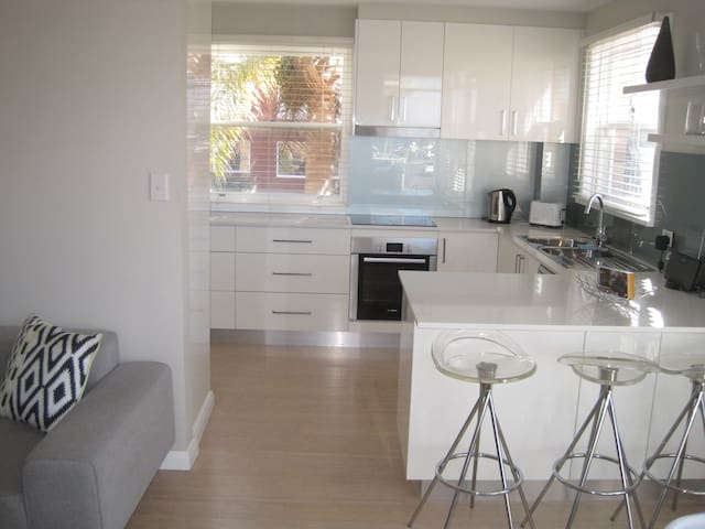 modern kitchen .. quality appliances & dish washer ..