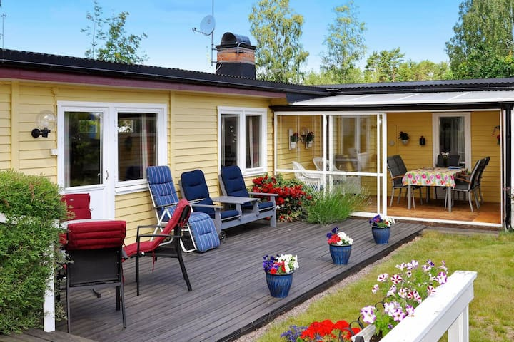6 person holiday home in Mönsterås