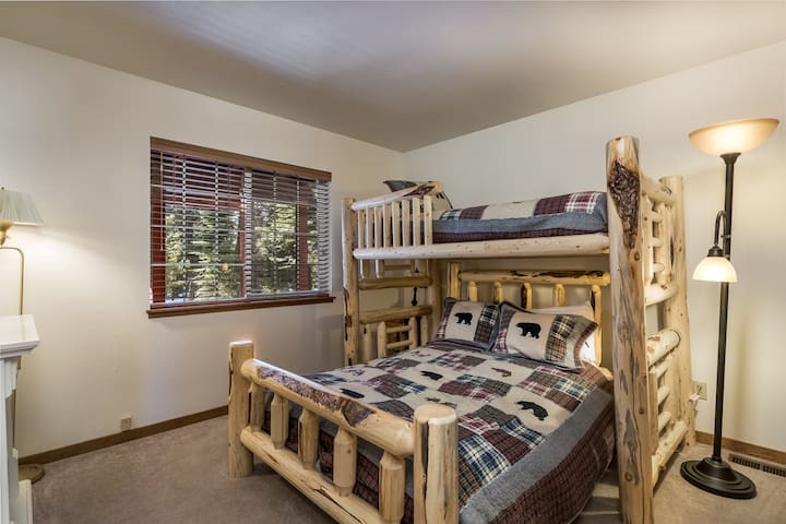 Bedroom #3: Bunk with double below and twin up top