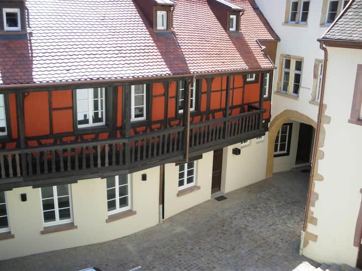 Duplex de Charme, 82m2,sur Cour,Centre Historique