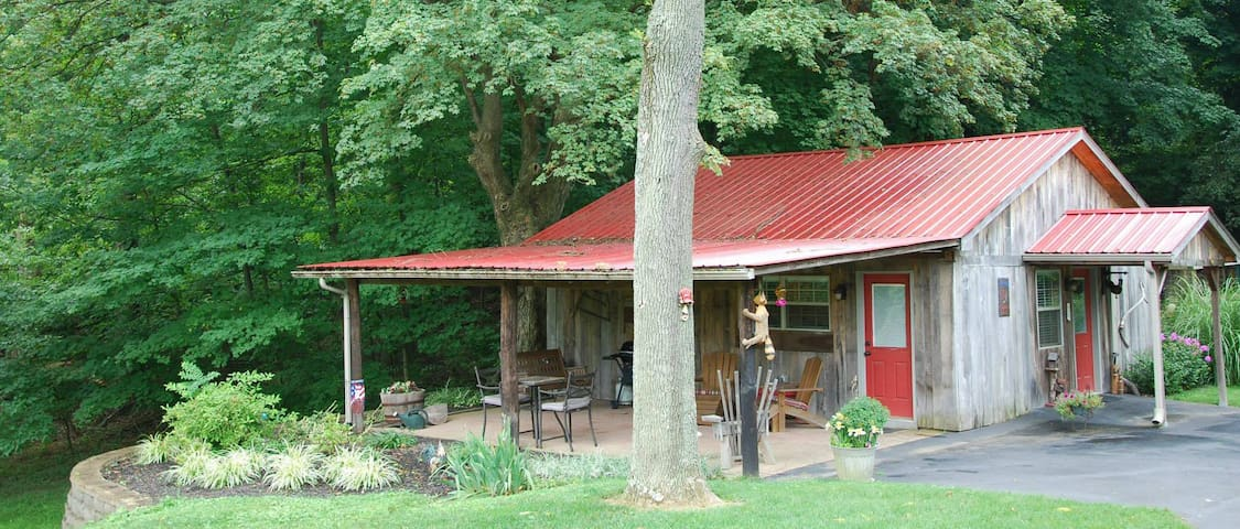 Americas Barn Bed and Breakfast - Louisville