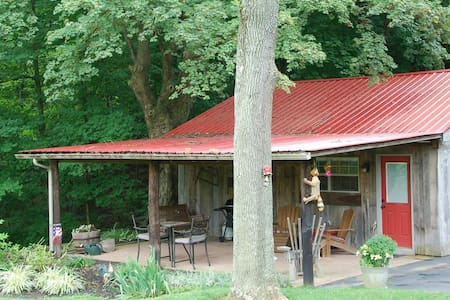 Americas Barn Bed and Breakfast - Louisville - Cabana