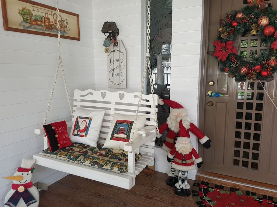 Welcome to our ❤swing Santa CHRISTmassy Home