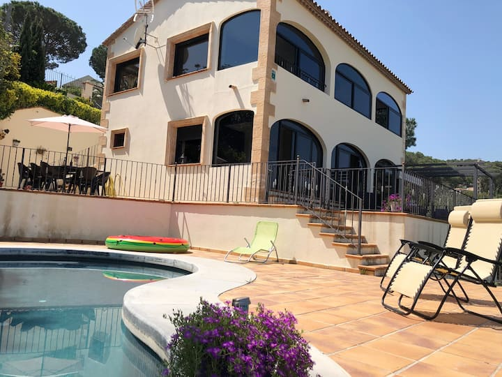 Villa de lujo y moderno, 12 personas, piscina