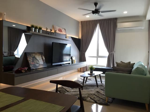 3 Bedroom Apt The Kenanga Residence 【Nk's 寒舍】