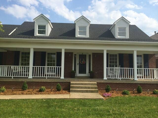Beautiful Louisville Derby Home - Louisville - Casa