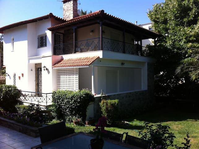 House & Garden at Thessaloniki Panorama - Panorama - Casa de campo