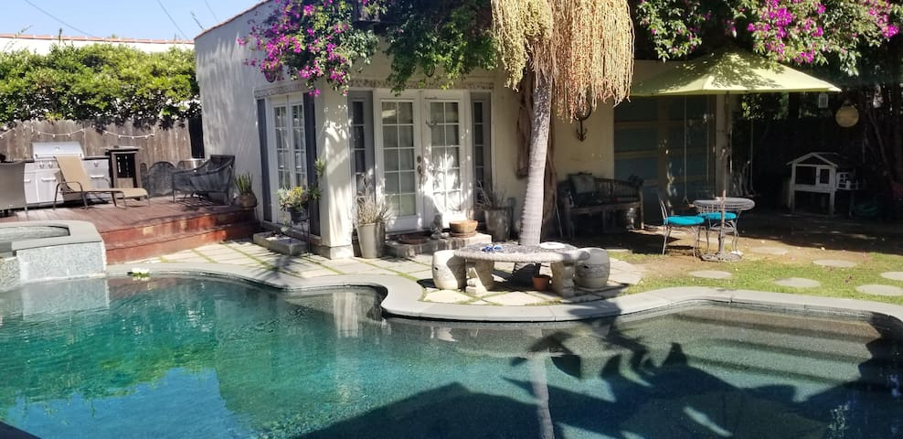 Beautiful Garden Guesthouse in Melrose Village
