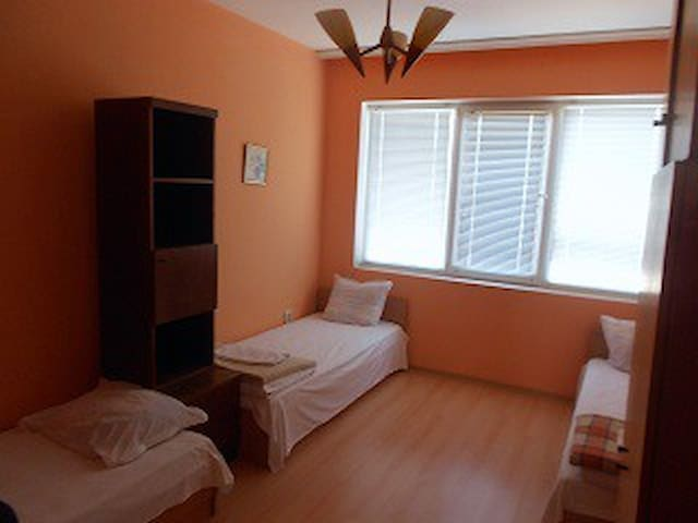 Guest room in the house 3 - Gabrovo - Hus