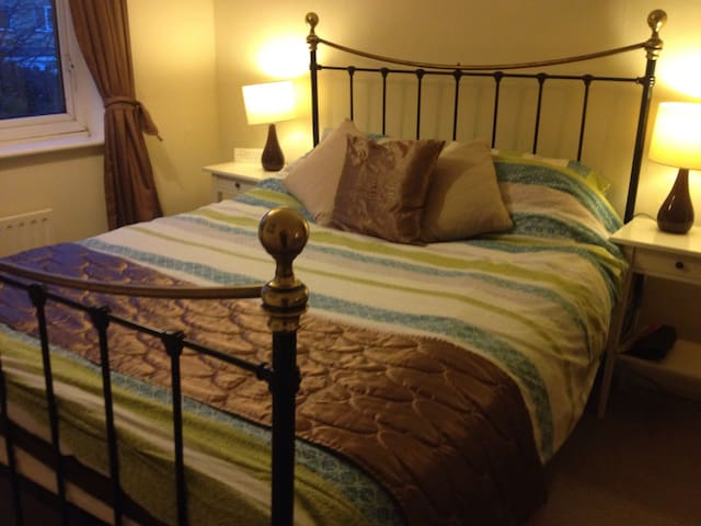Lovely room in lovely town - Knaresborough - Dom