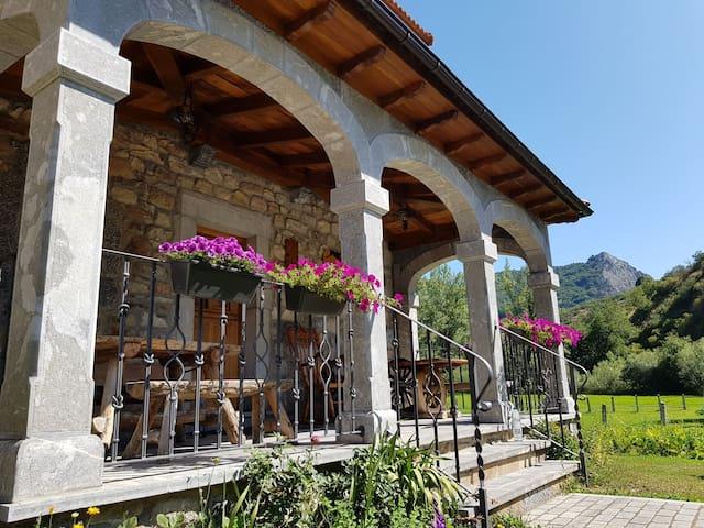 Estupenda Casa Rural en la montaña leonesa.