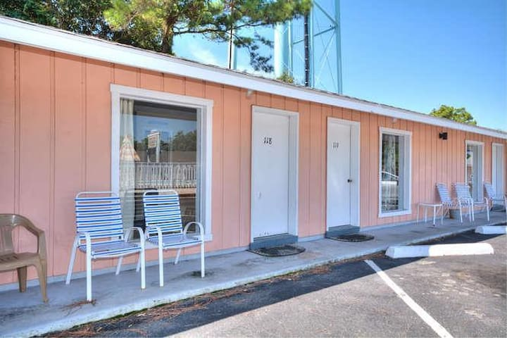 Oak Island Extended Stay (Phone number hidden by Airbnb) BA/PETS