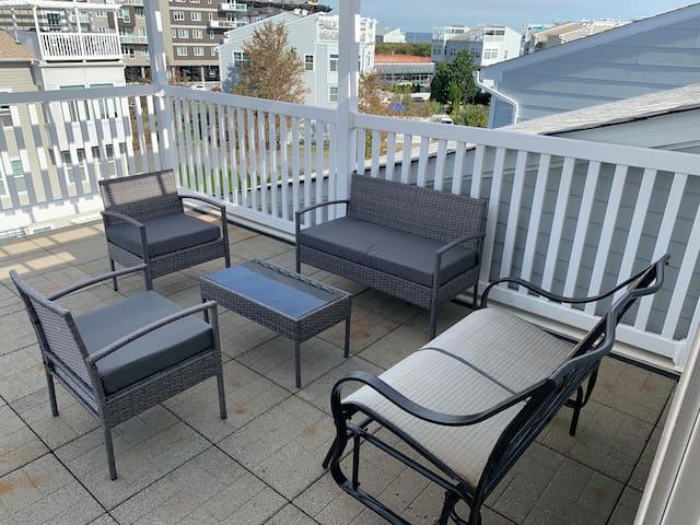 Arverne apartment located near rockaway beach!