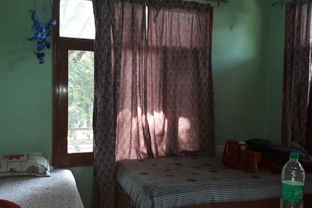 Single independent room for females