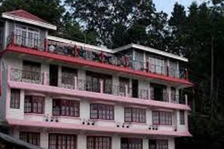 Family Room @ The Pink Door - Kalimpong