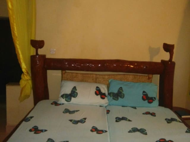 Peaceful apartment within a garden by the beach - Diani Beach - Flat