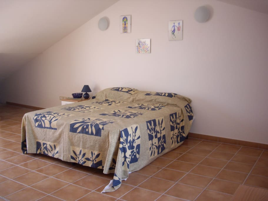 Upstairs bedroom with either 1 double & single or 3 single beds