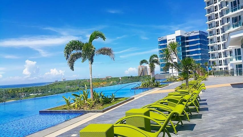Mactan Newtown 1 BR w amazing ocean&mountain view.