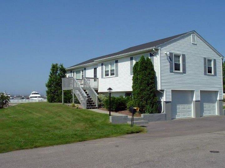 Holdredge House & Cottages