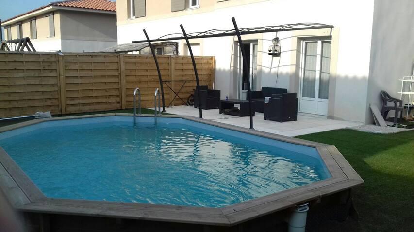 Maison de Provence avec piscine - Marignane - House
