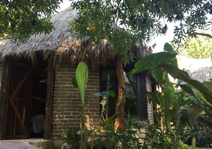 Cabaña Ecológica Adobes, En Tahawi Chapala