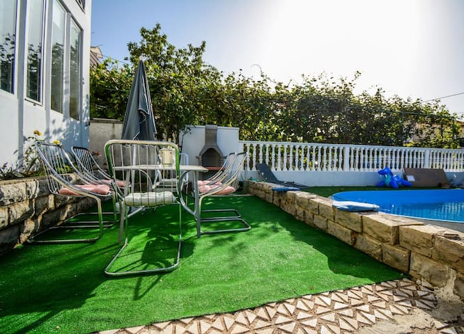 Two bedroom apartment with terrace Zadar (A-17553-a)