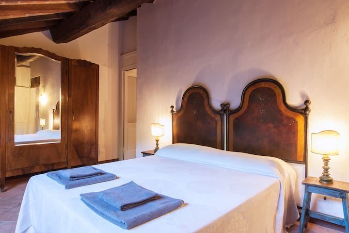 B&B Bacialupo - Kamer La Mansarda - Crocetta - Bed & Breakfast