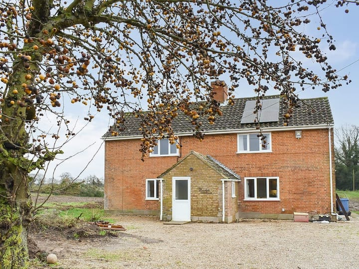 Old Alton Hall Farmhouse (UK31240)