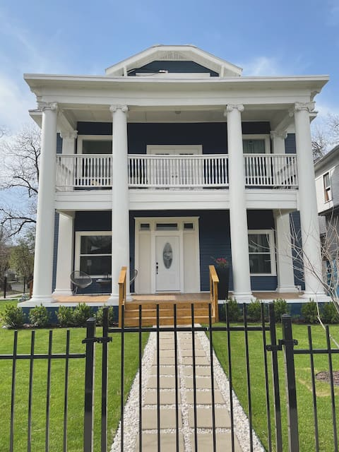 Casa Paz - Historic Home Walking Distance to Pearl