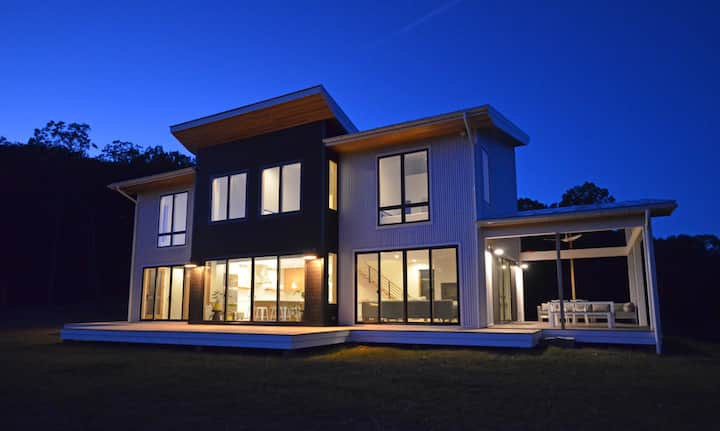 Lost River Solar - NEW Contemporary house