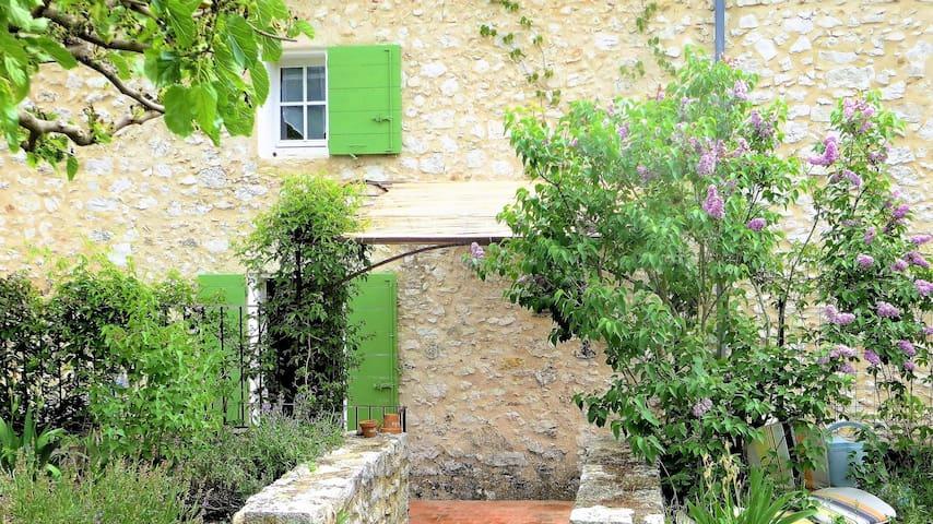Maison de village typique dans le pays du Verdon