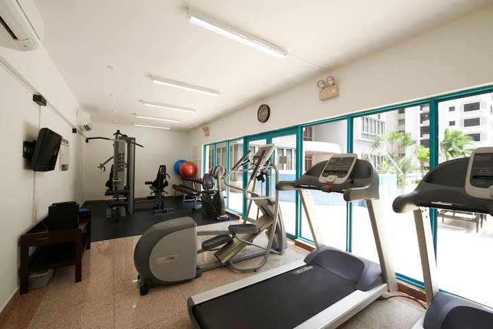 Gym (in the 2nd floor)