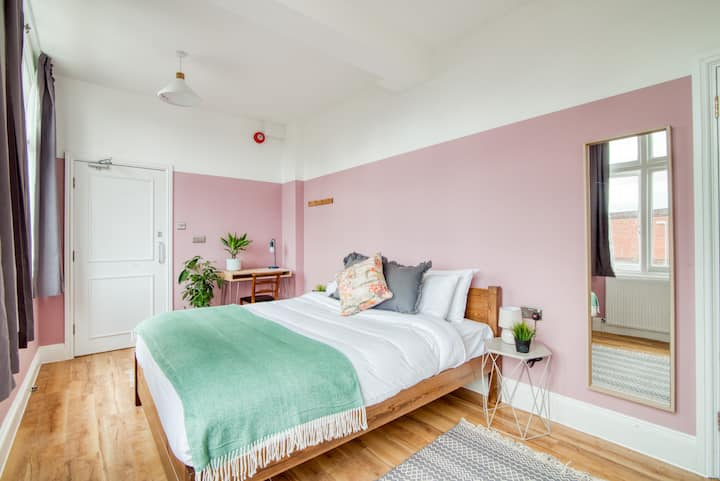 Selina Birmingham - Standard Room
