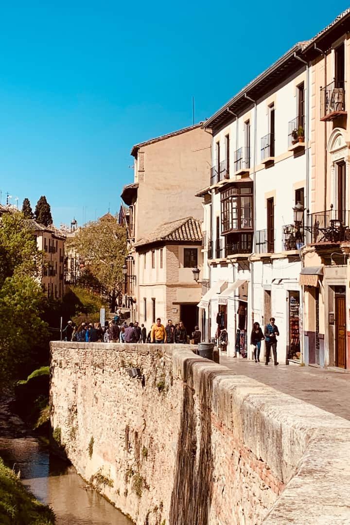 Walk the oldest Granada streets