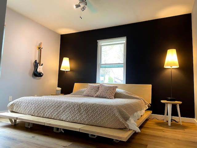 Master Bedroom with king size (purple®) mattress