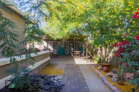 Historic Hideaway Carriage house -Downtown Phoenix - Phoenix