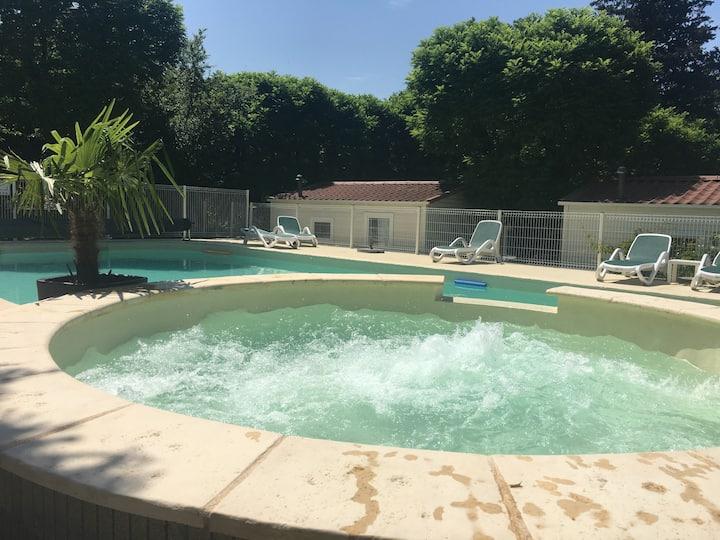 Bungalow chambre double piscine/spa