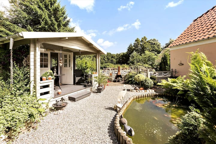 Lille Skovvang, our cute glamping cottage, overlooks the pond, and is situated in a sweet, private garden. Lille Skovvang is also available for rent via AirBnB. Maybe a perfect place for the kids while the adults stay in Cookie's Crib? Or vice versa!