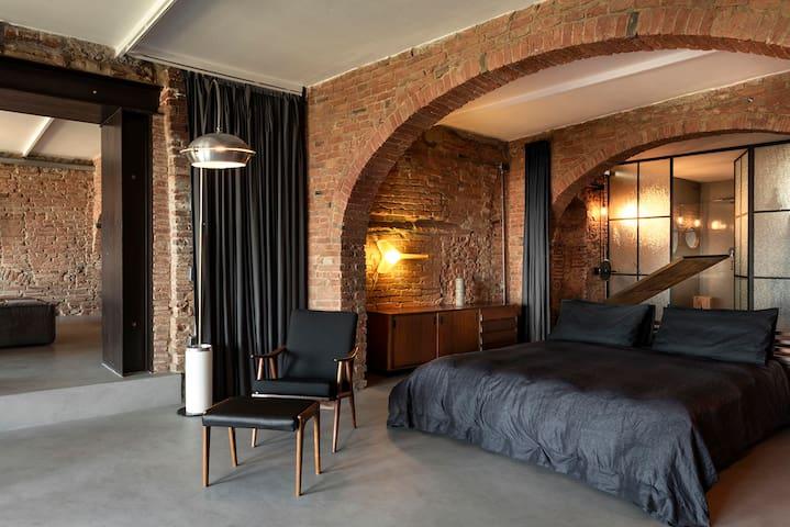 Bedroom, vintage design forniture, vintage lamps