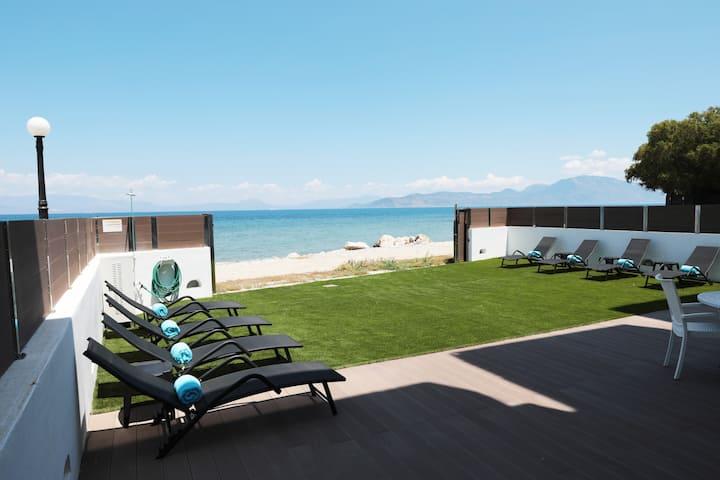 Beach House in Kiato