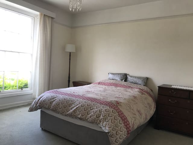 Spacious south facing room in period property