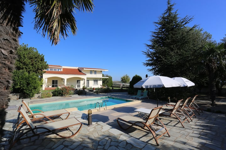 Villa 'Orestis-Melina'