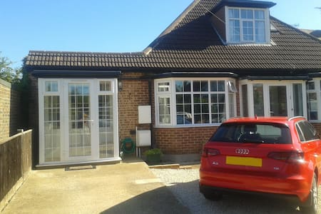 Seaside annexe - Worthing