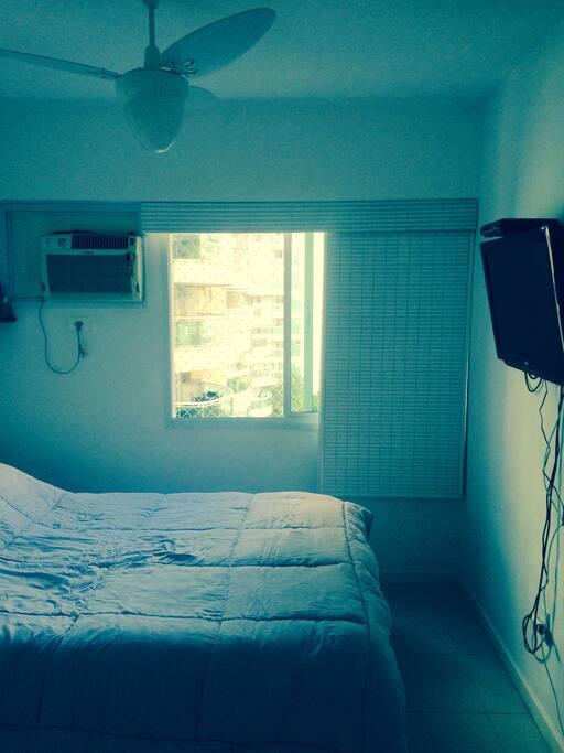 Quarto Suite com Ar e Ventilador