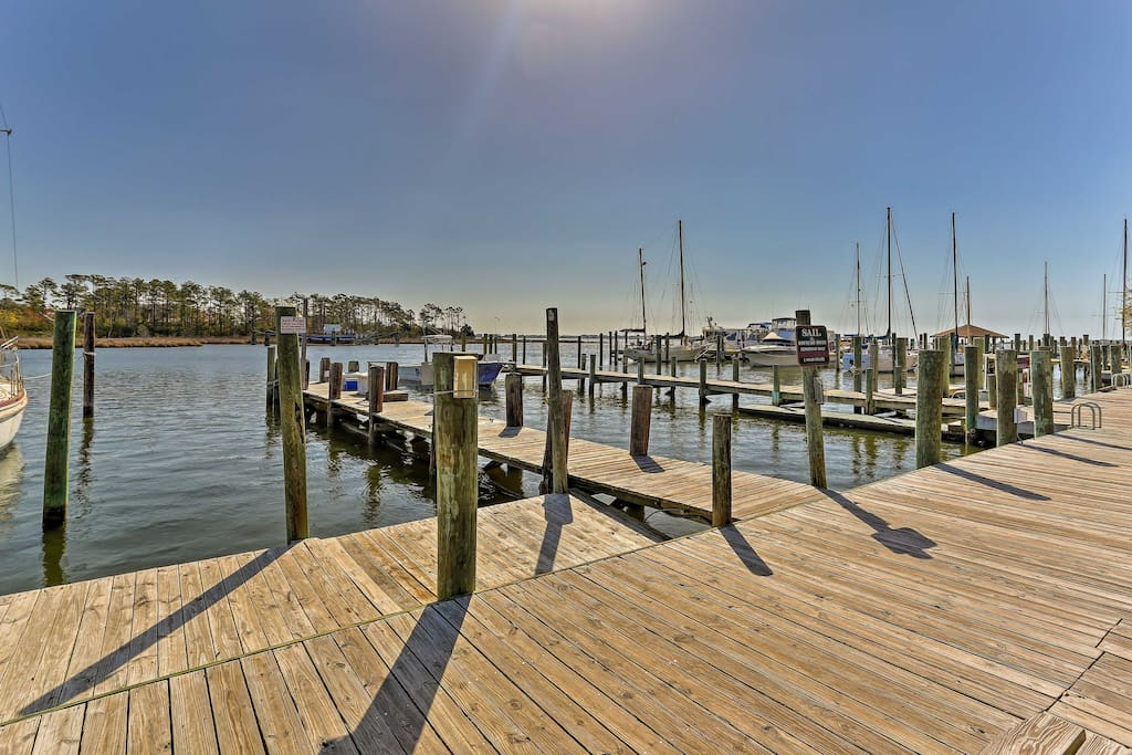 Enjoy long walks by the water or visit the Outer Banks area just 10 minutes away.