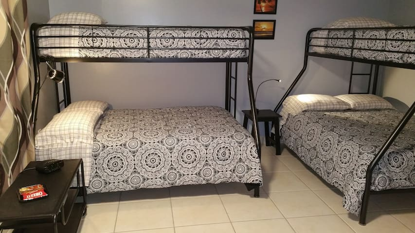 DORAL,SPACIOUS,PRIVATE AND COZY